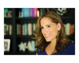 Julie Buxbaum Smiling (1)