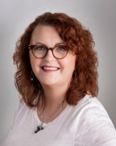 WendyMcLeod MacKnight Author It's a Mystery Pig Face