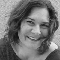 Meet the Author: StephanieElliot