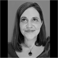 Meet the Author: RobinRoe